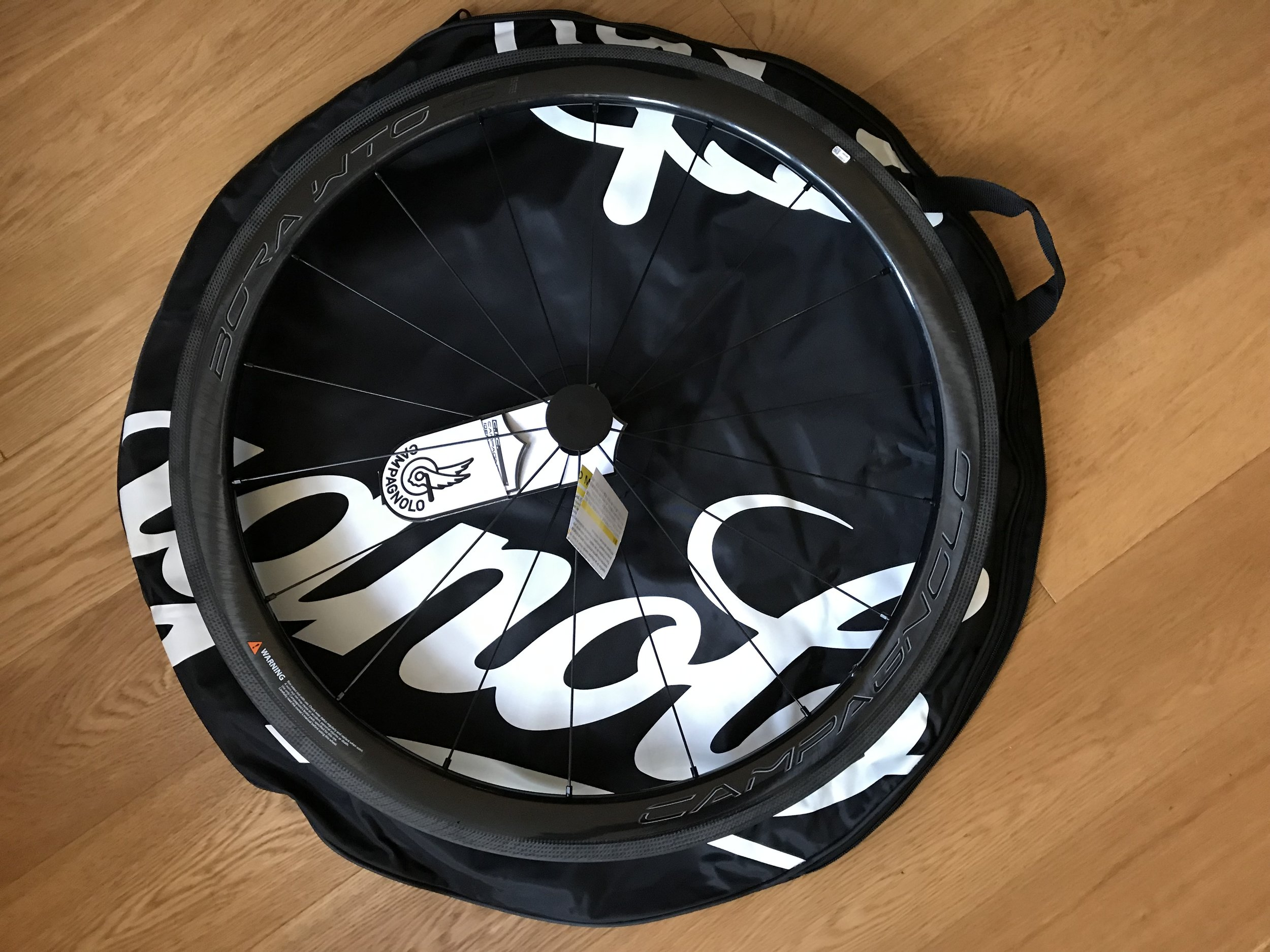 The Campagnolo wheels came in very budget wheelbags - more plastic waste that should have been avoided.
