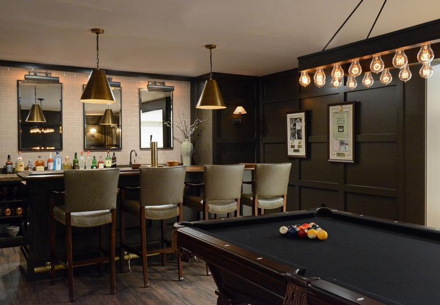 Bar & Billiards