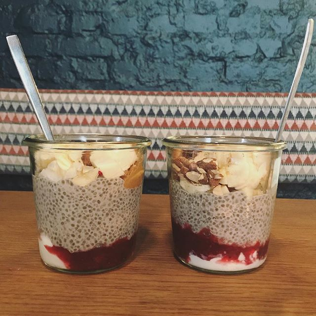 Check out this amazing nut butter and berry chia pudding from @groedcph. Can't say enough how much I love trying new healthy spots while travelling - inspiring and delicious!