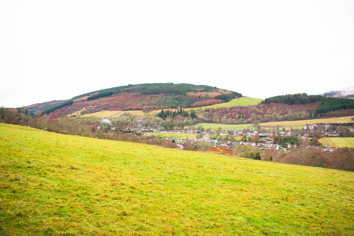 Driving down the hill towards Drumnadrochit
