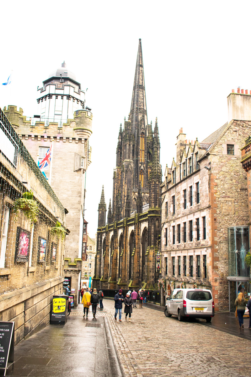 Looking back toward the Royal Mile from the castle