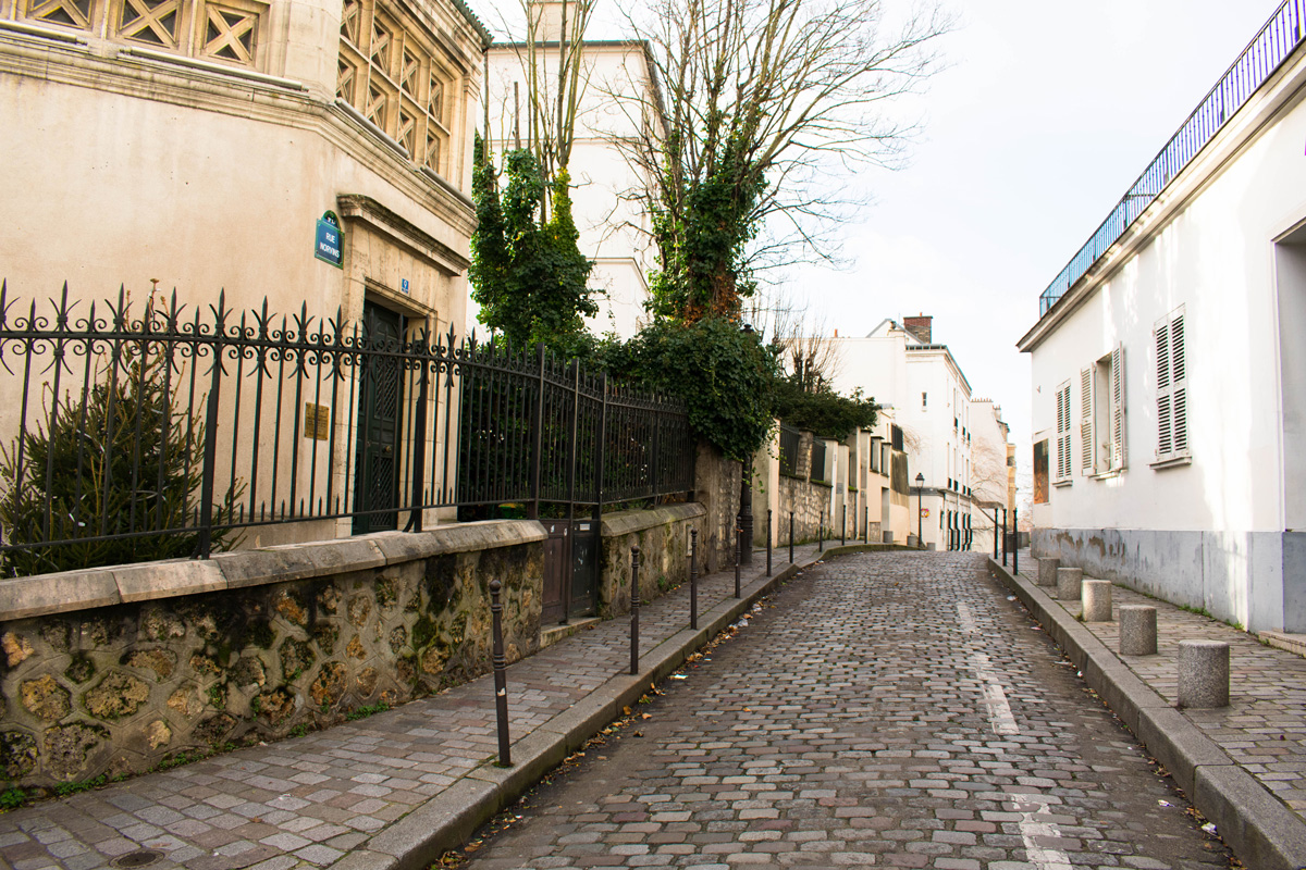 Montmartre in Winter: Small Village Life Within The Big City - Paris, France