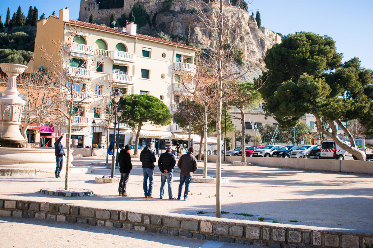 Men playing boules in Cassis