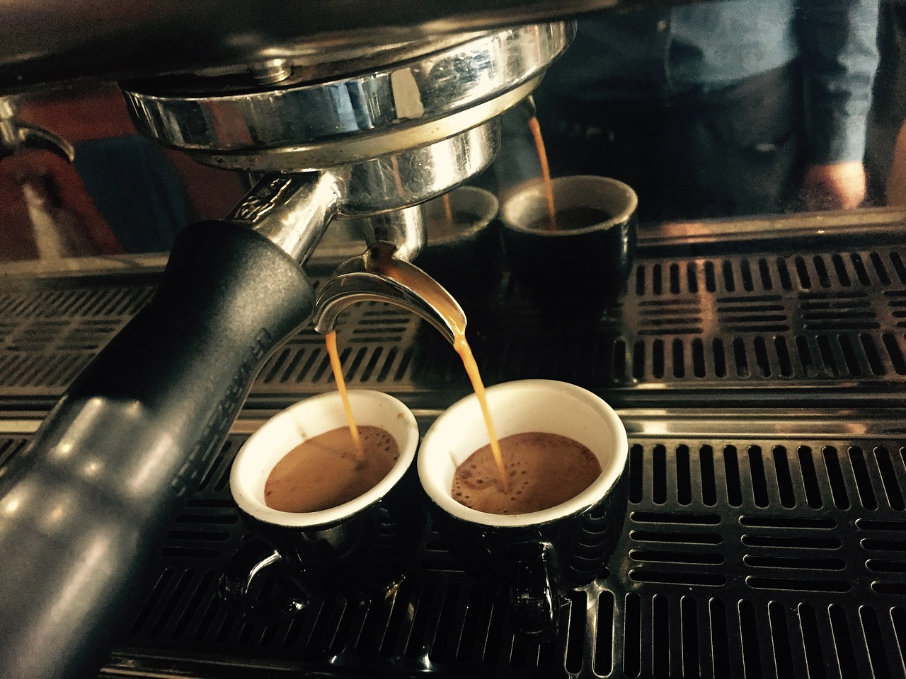France vs. Italy: The Ultimate Coffee Culture Showdown and How to Order Without Embarrassing Yourself