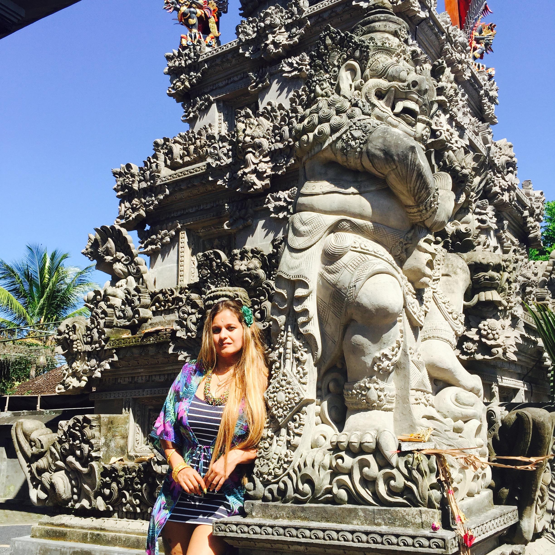 Elizabeth Wanderlust of Digital Travel Guru