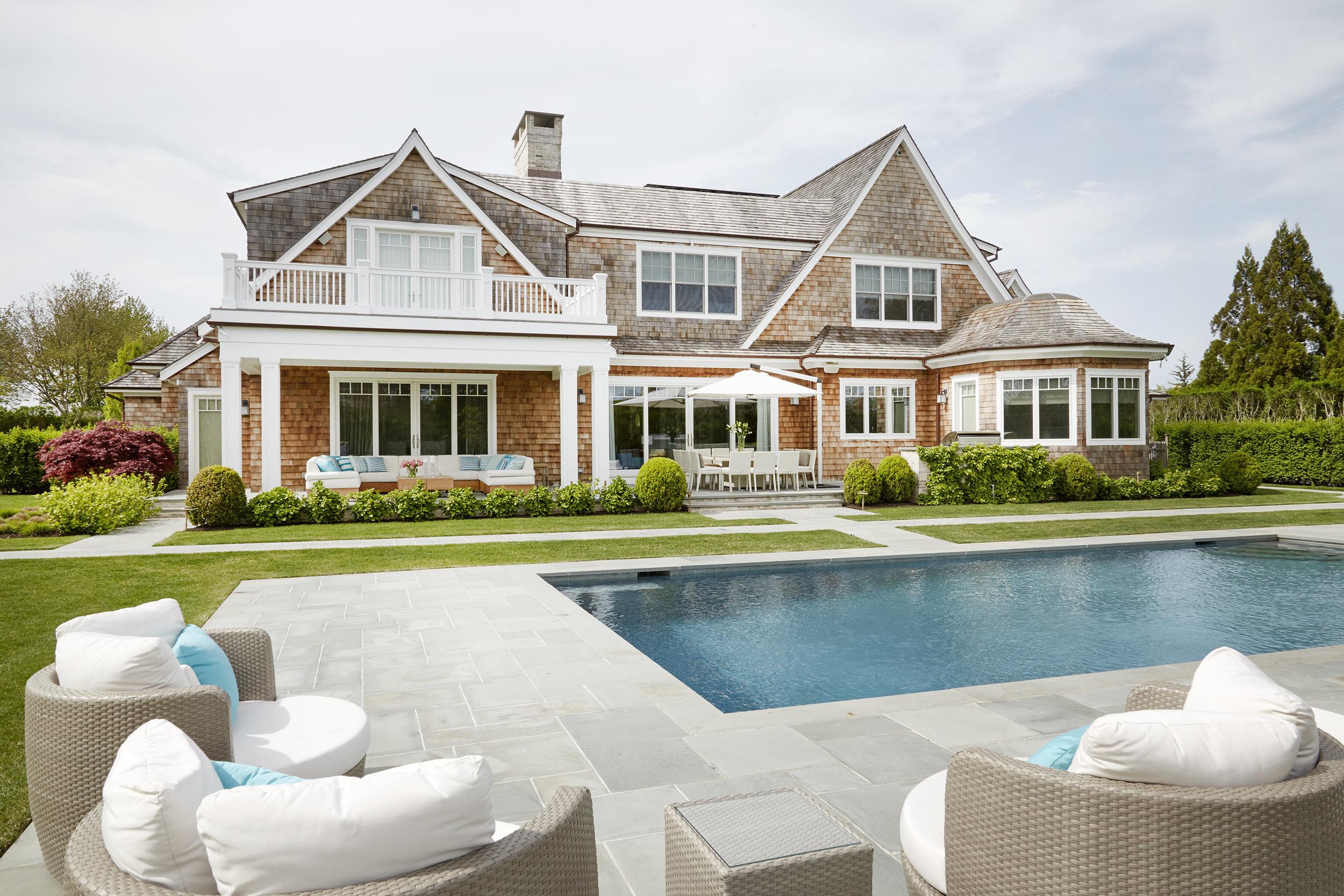 Hamptons Ext 001.jpg