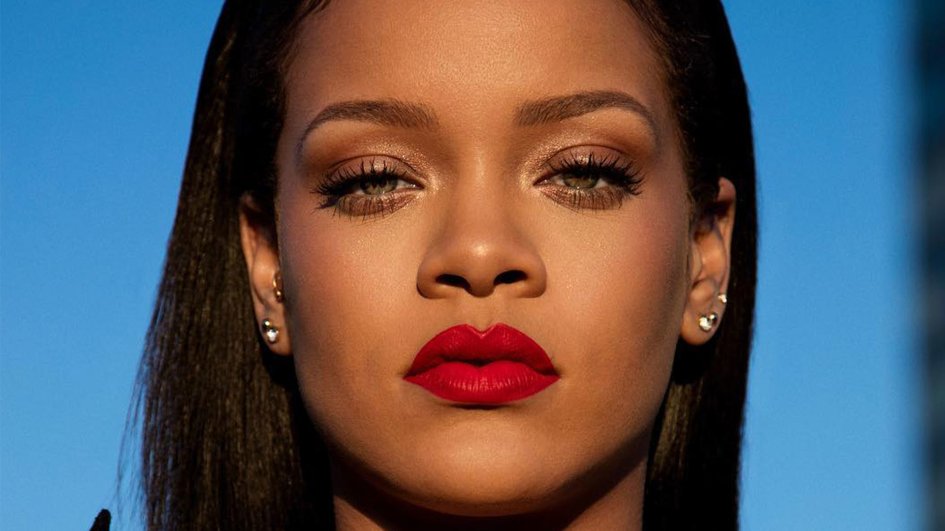 Rihanna_tout-1920x1080.jpg