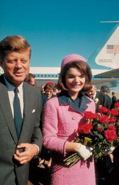 Jackie-Kennedy-Chanel-suit.jpg