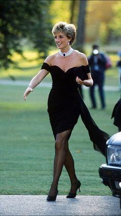 Princess-Diana-little-black-dress-Chanel.jpg