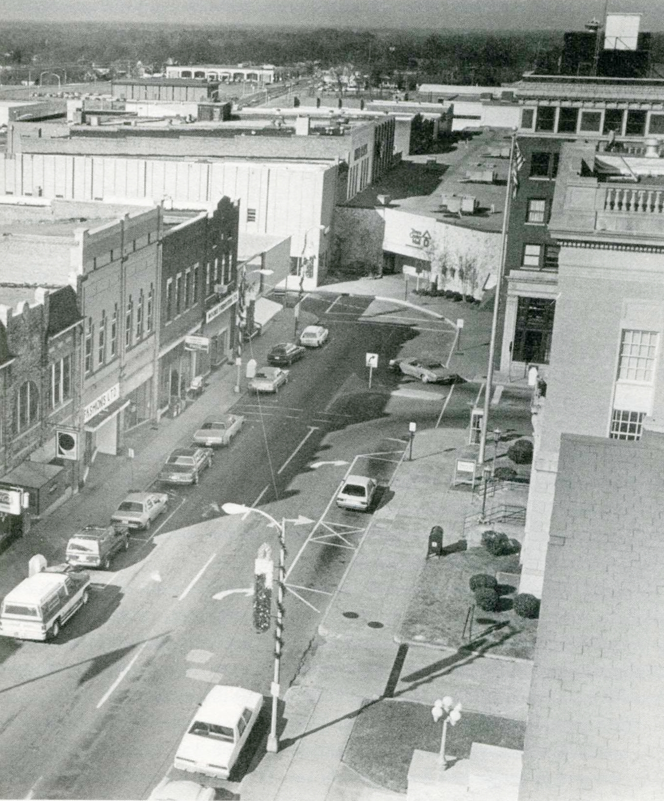 East Main Street during the period the Town Center Mall closed off Main Street.