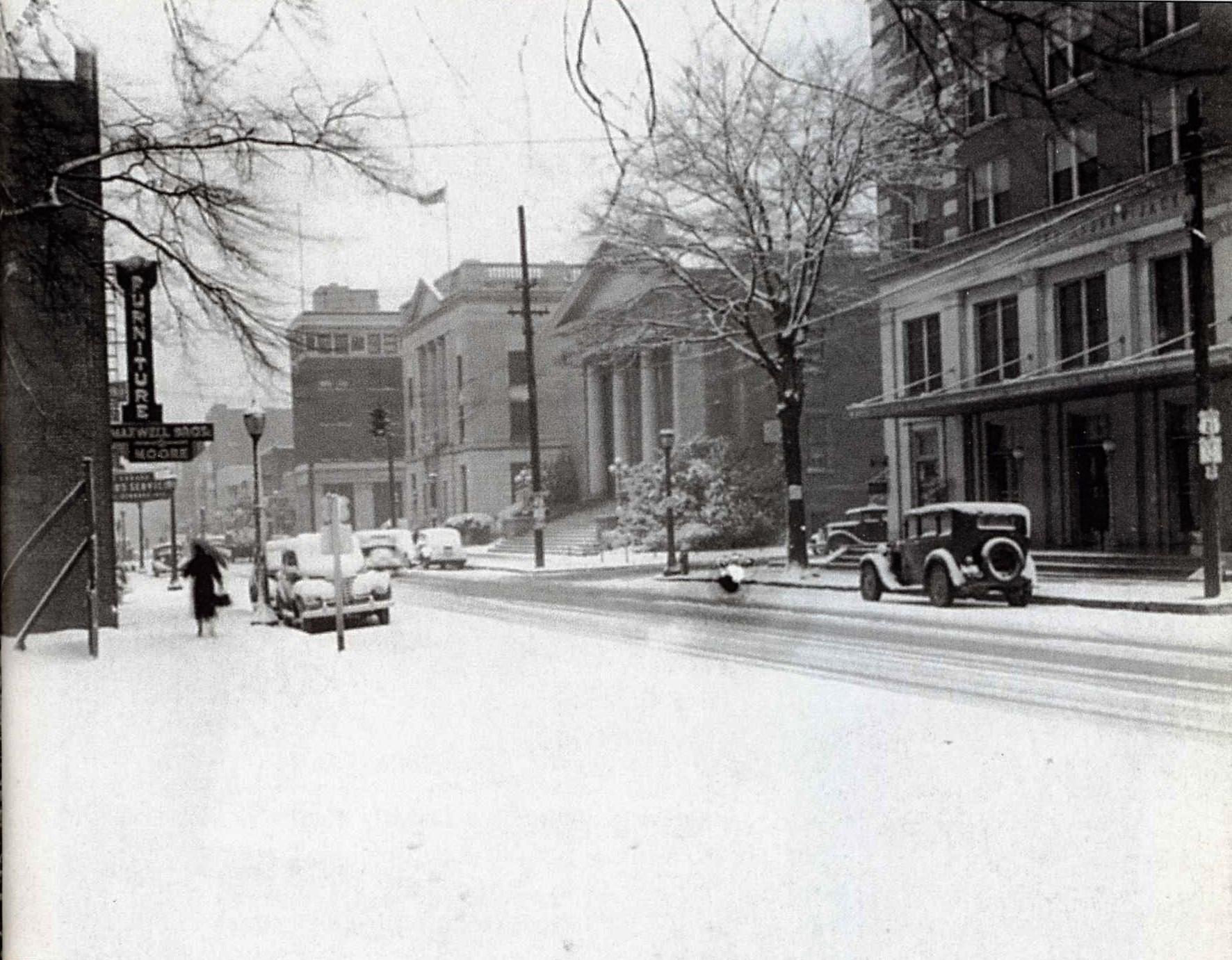 1920s snow scene along Main Street. Courtesy of the WU Pettus Archives