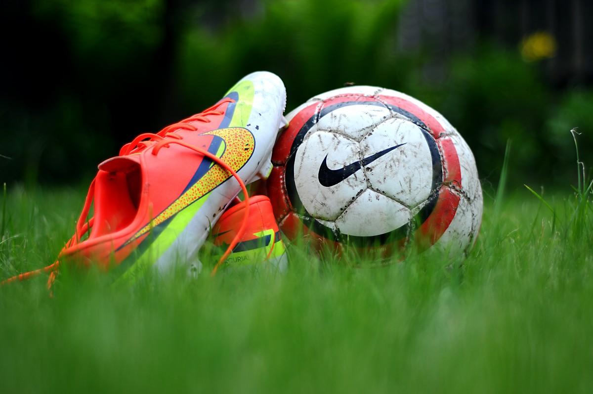 Sportswear, scarf, gloves, socks, hat, football memorabilia, tennis ball, playing cards, games…