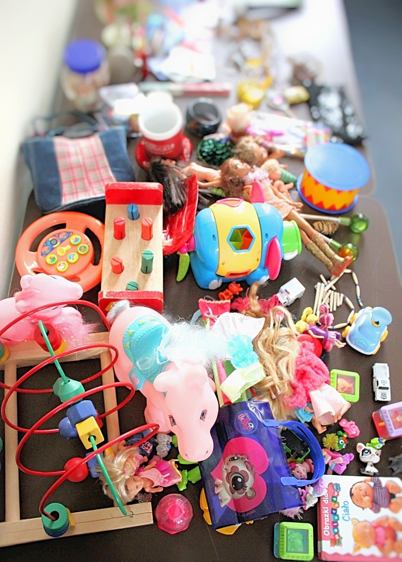 cars, trucks, balls, complete jigsaws, action figures, colouring books, pens, crayons, Lego blocks, yo-yo, wooden & plastic toys, pencil case, building blocks, dominoes, playdough, plastercine, fluffy toys, dolls, stickers, writing pads, skipping rope, scarf, mittens, gloves, hat, games, cards, harmonica…