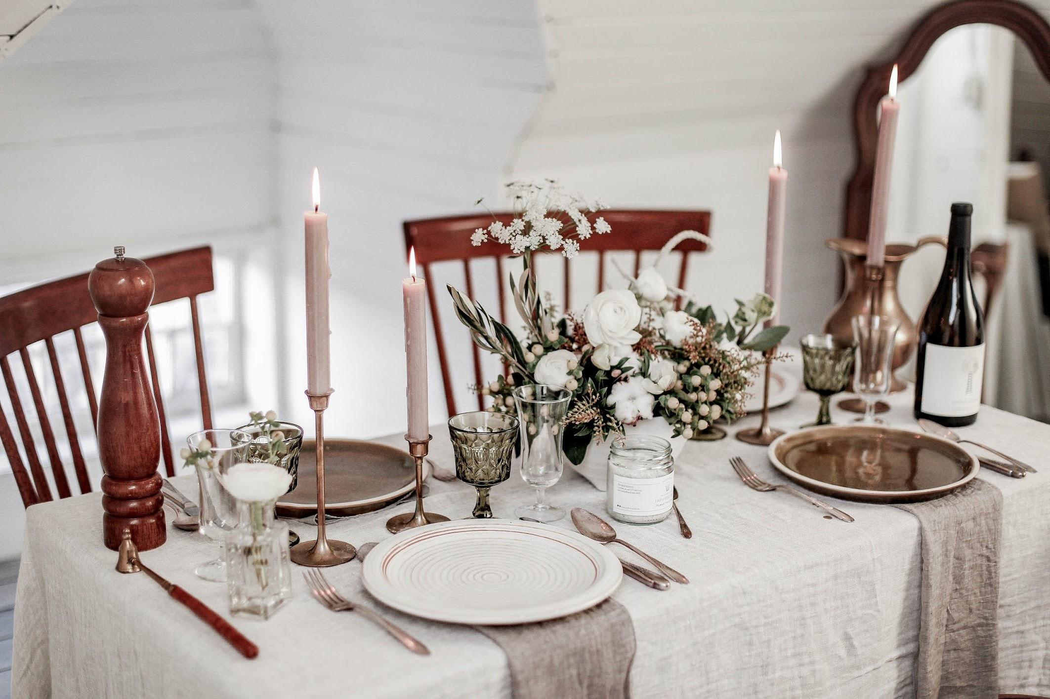 holiday-table-setting.jpg