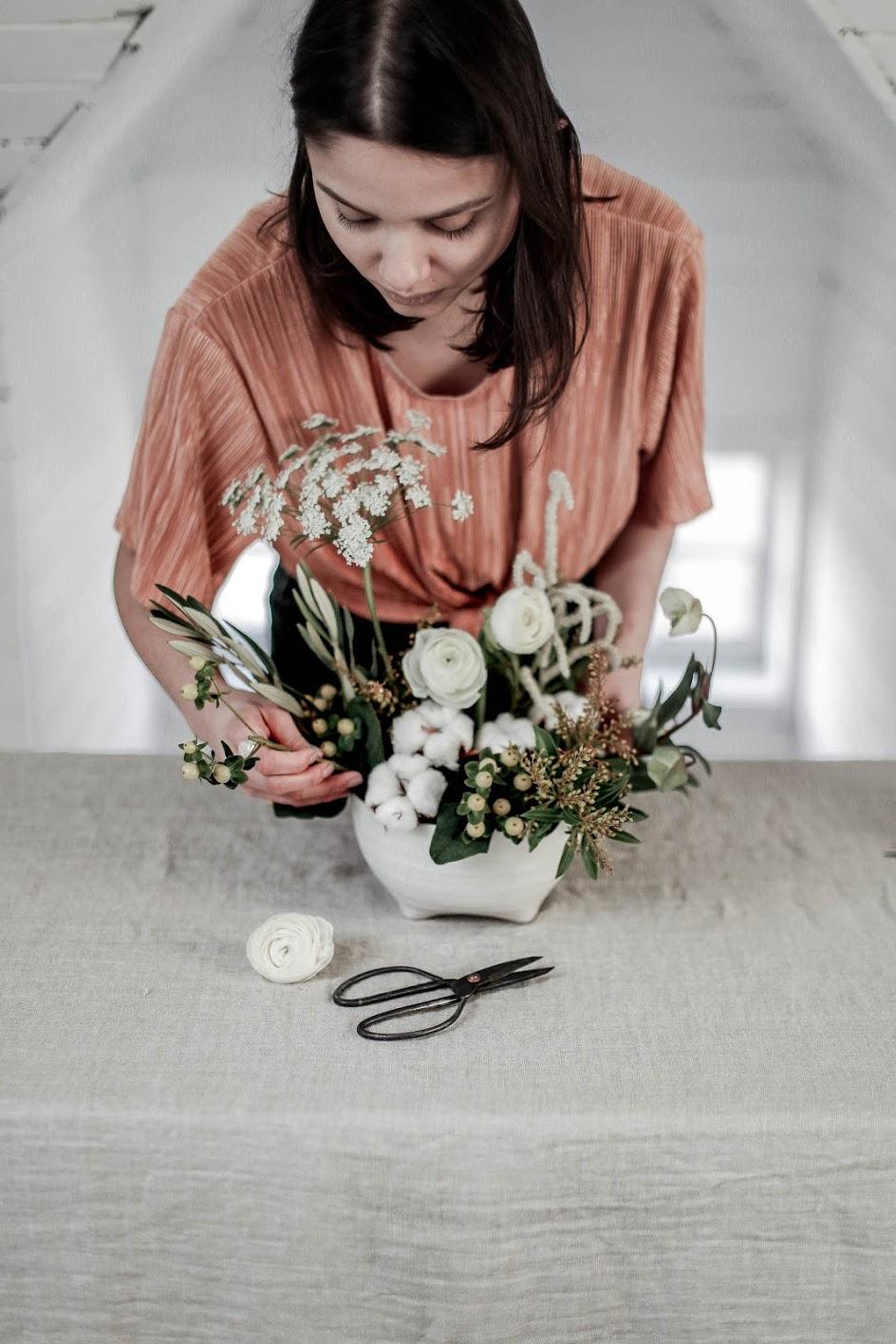 arrange-your-own-holiday-florals.jpg