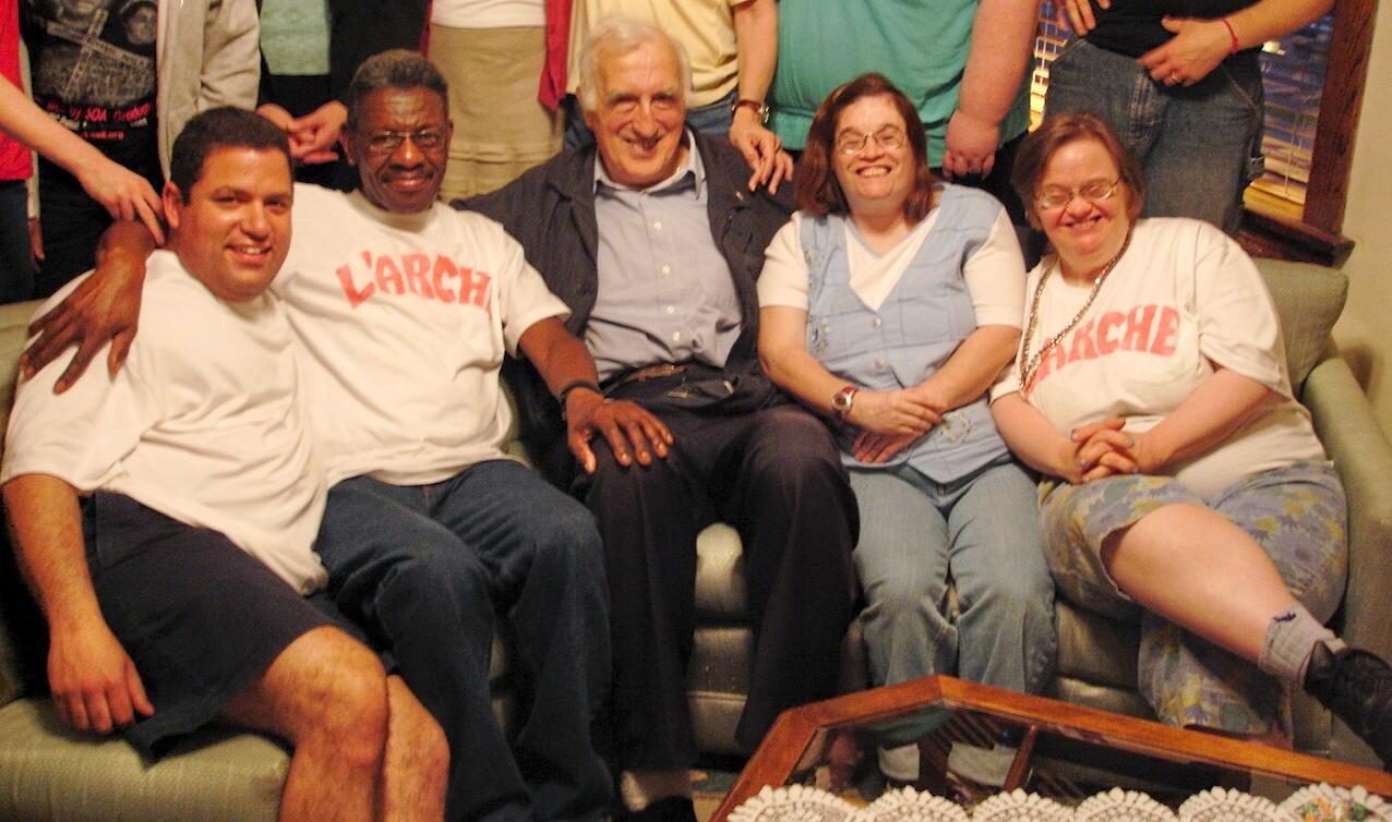 Jean Vanier with L'Arche Chicago Core Members