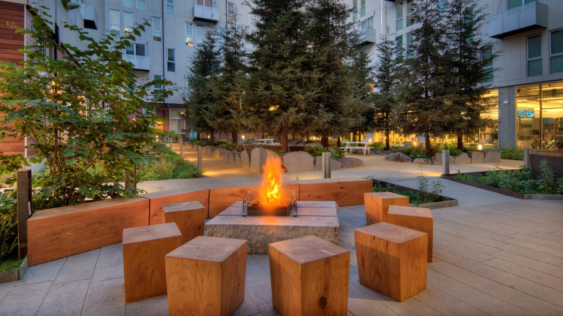855-brannan-apartments-courtyard.jpg