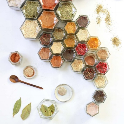 7 Organic Seasonings in Magnetic Jars [$50] by way of   Gneiss Spice