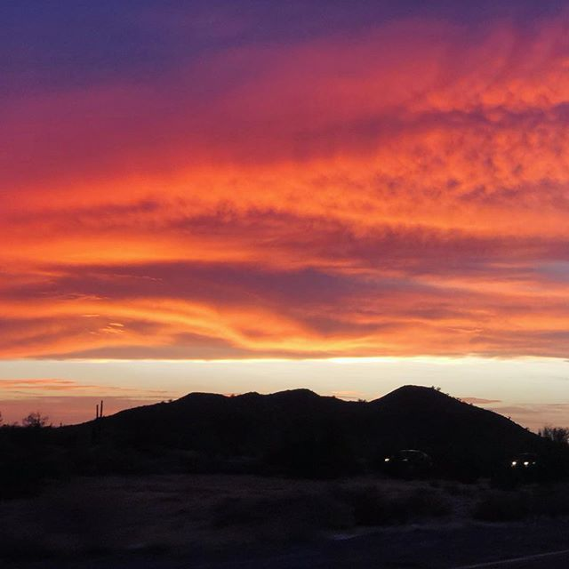 Arizona skies almost never disappoint! 😍