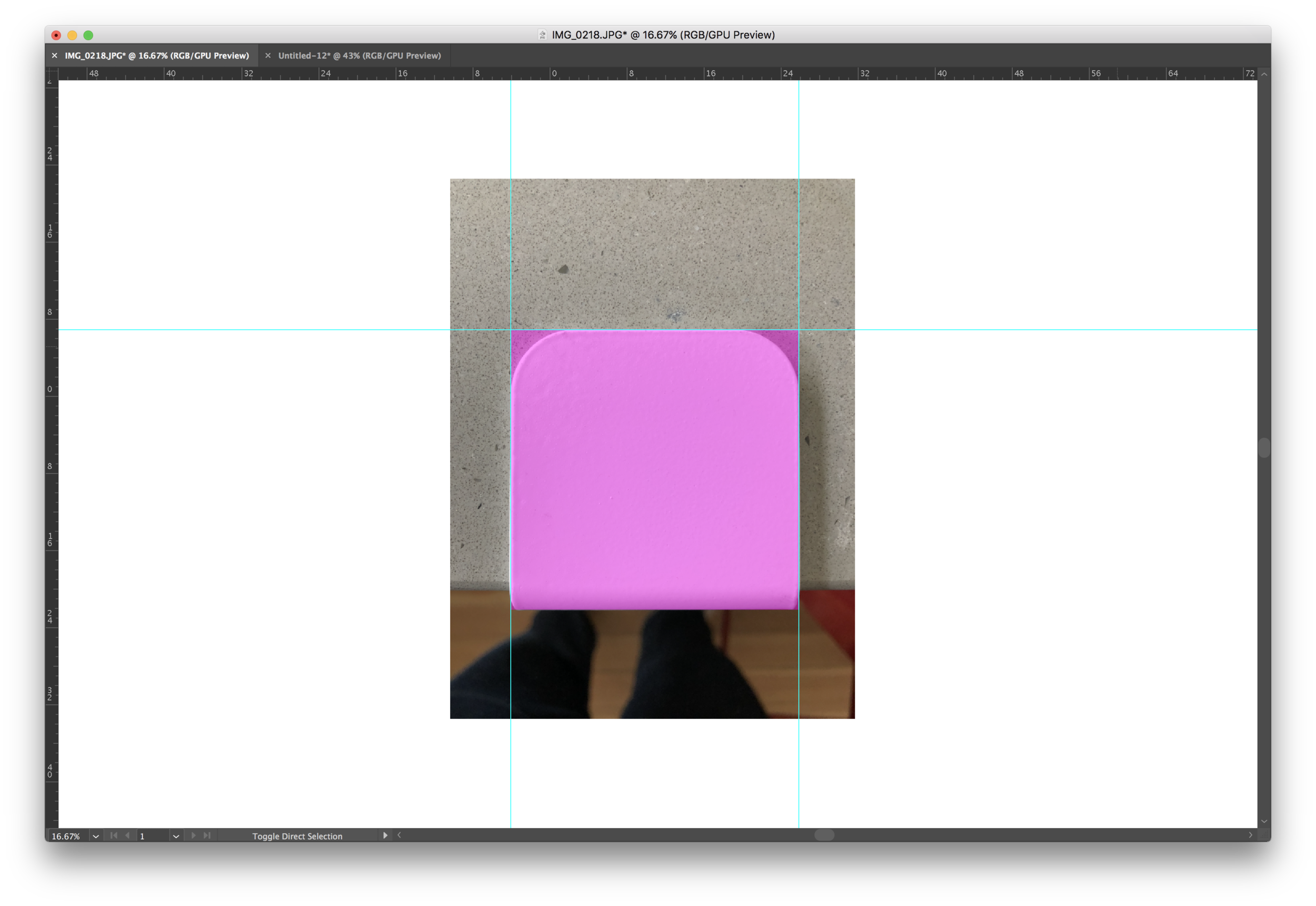 Once we made sure the image was straight and paralell, we dropped a transparent pink box over the leg.
