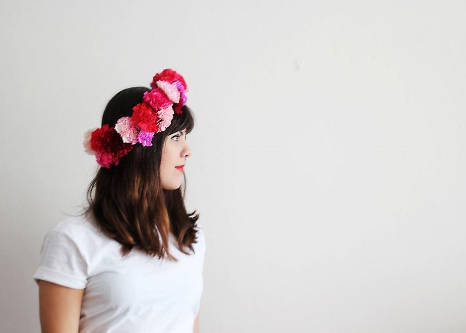 carnations-4-ways-floral-crown-1-1024x682.jpg