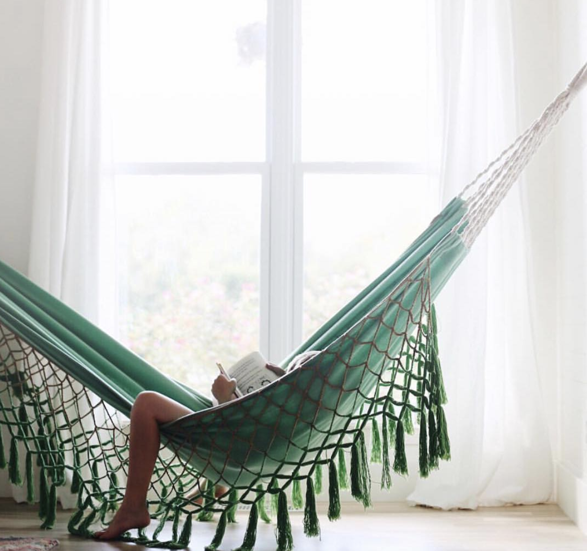 Hammock relaxing with  @underthesycamore