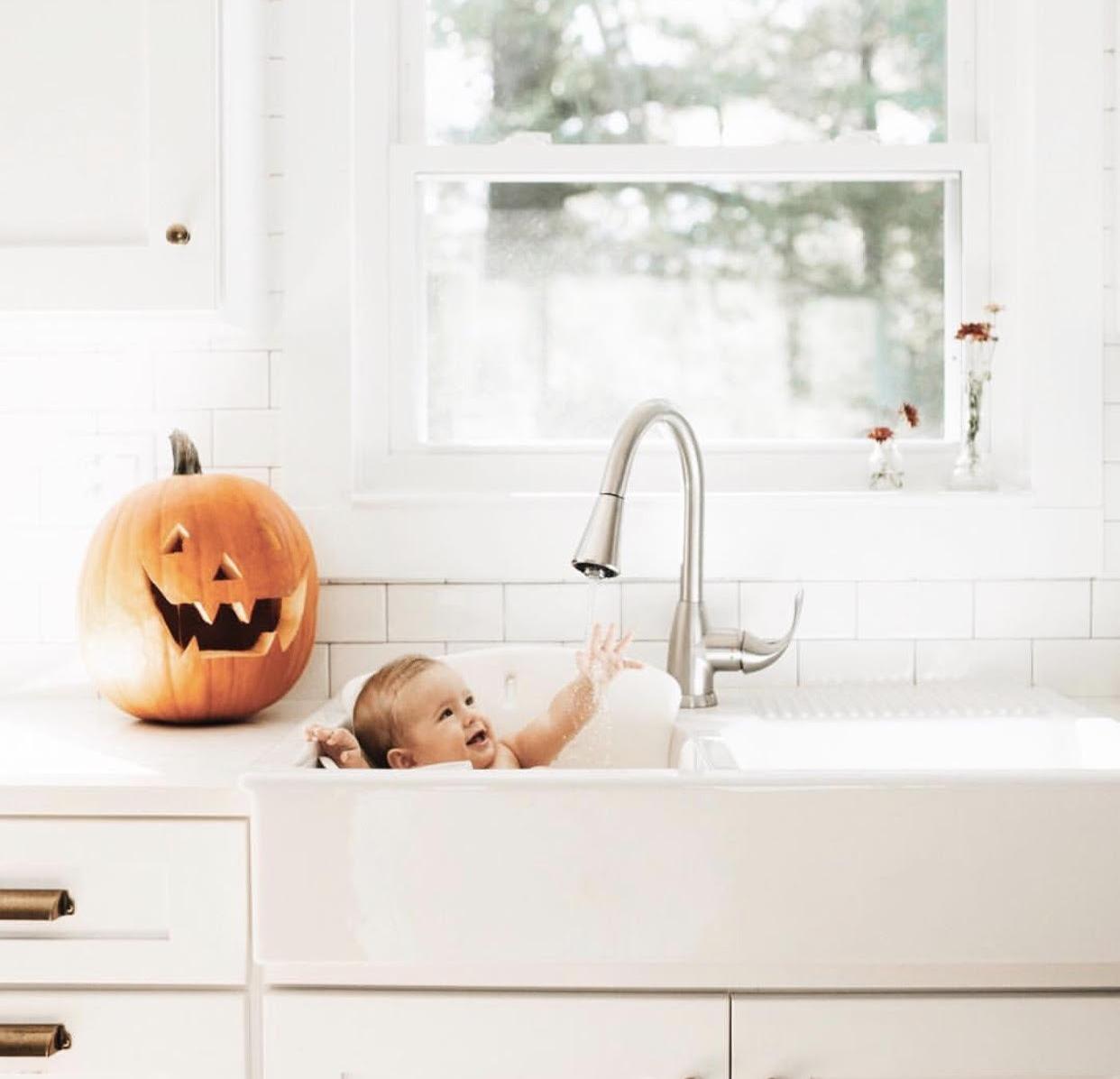 Pumpkin carving sink baths  via Melissa Brookes