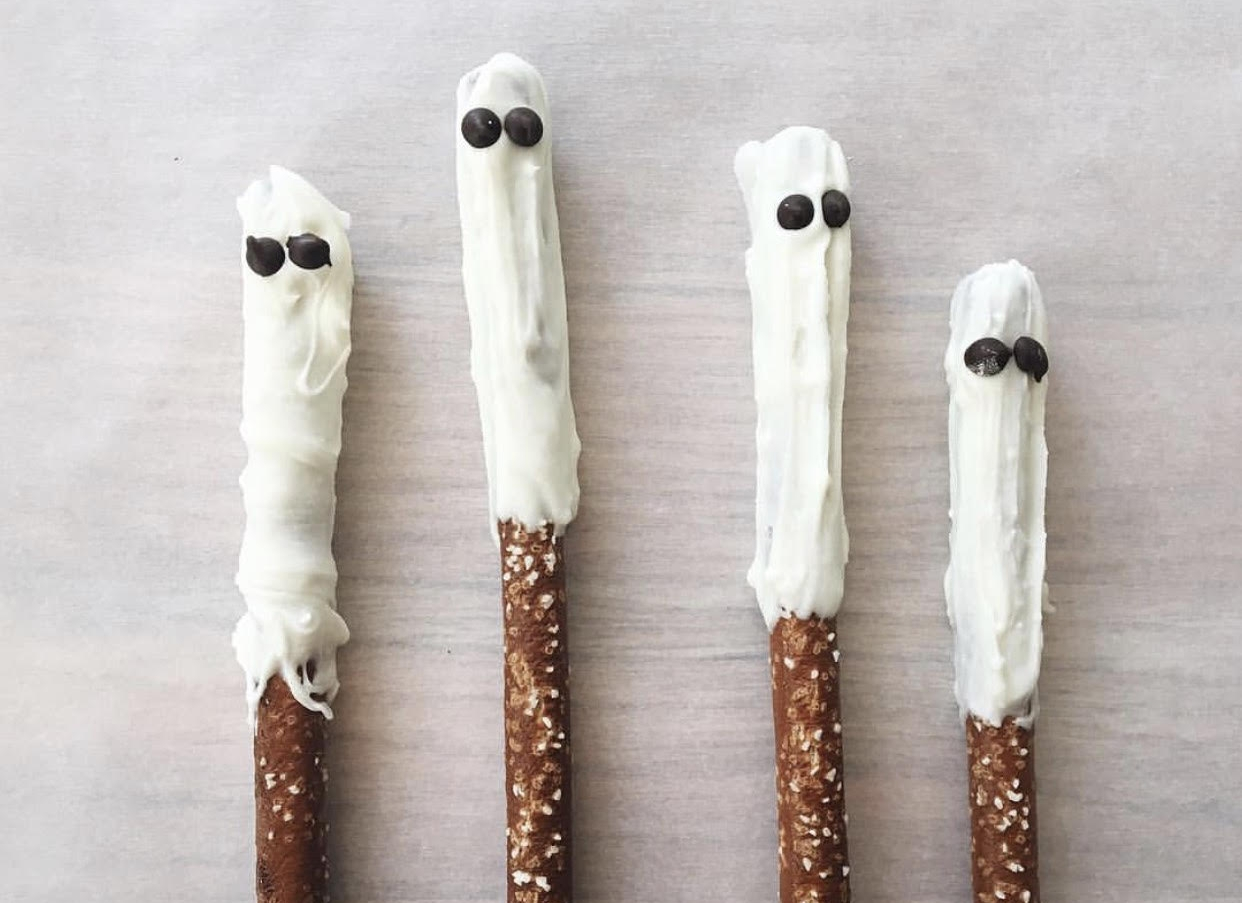Ghost pretzels  via Stephanie