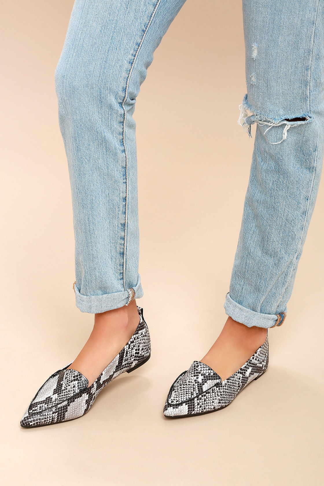 Snake Pointed Loafers