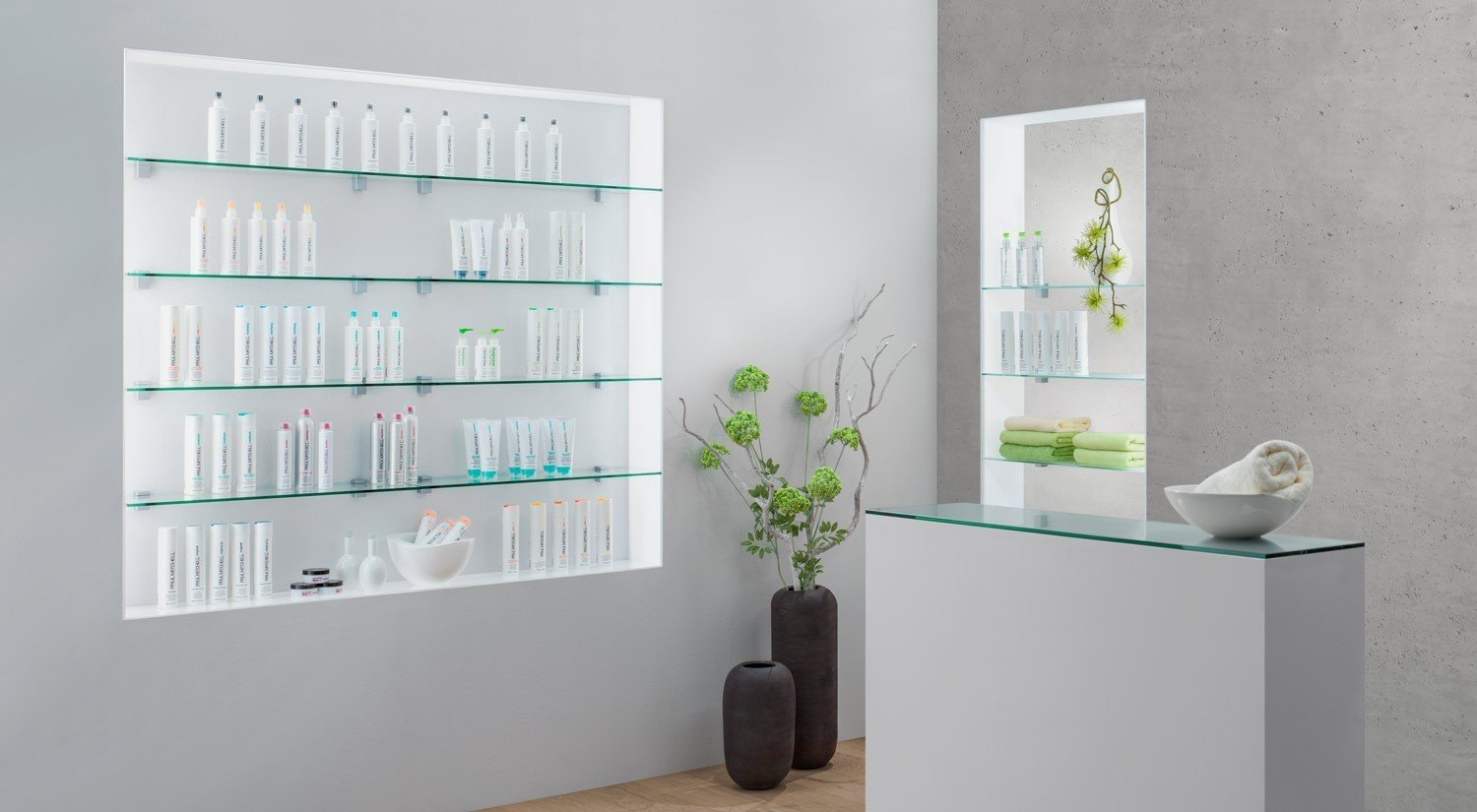 glass-shelves-frosted-or-clear-square-with-shelf-bracket-bloc-for-store-construction.jpg