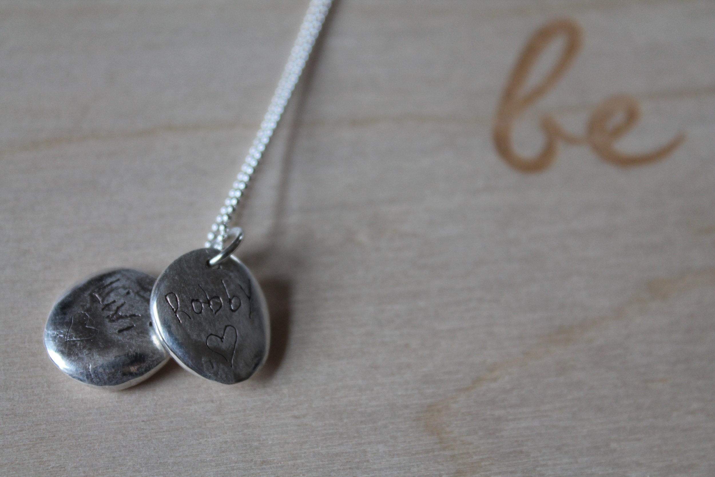 LillyDip Impression Pendant Necklace