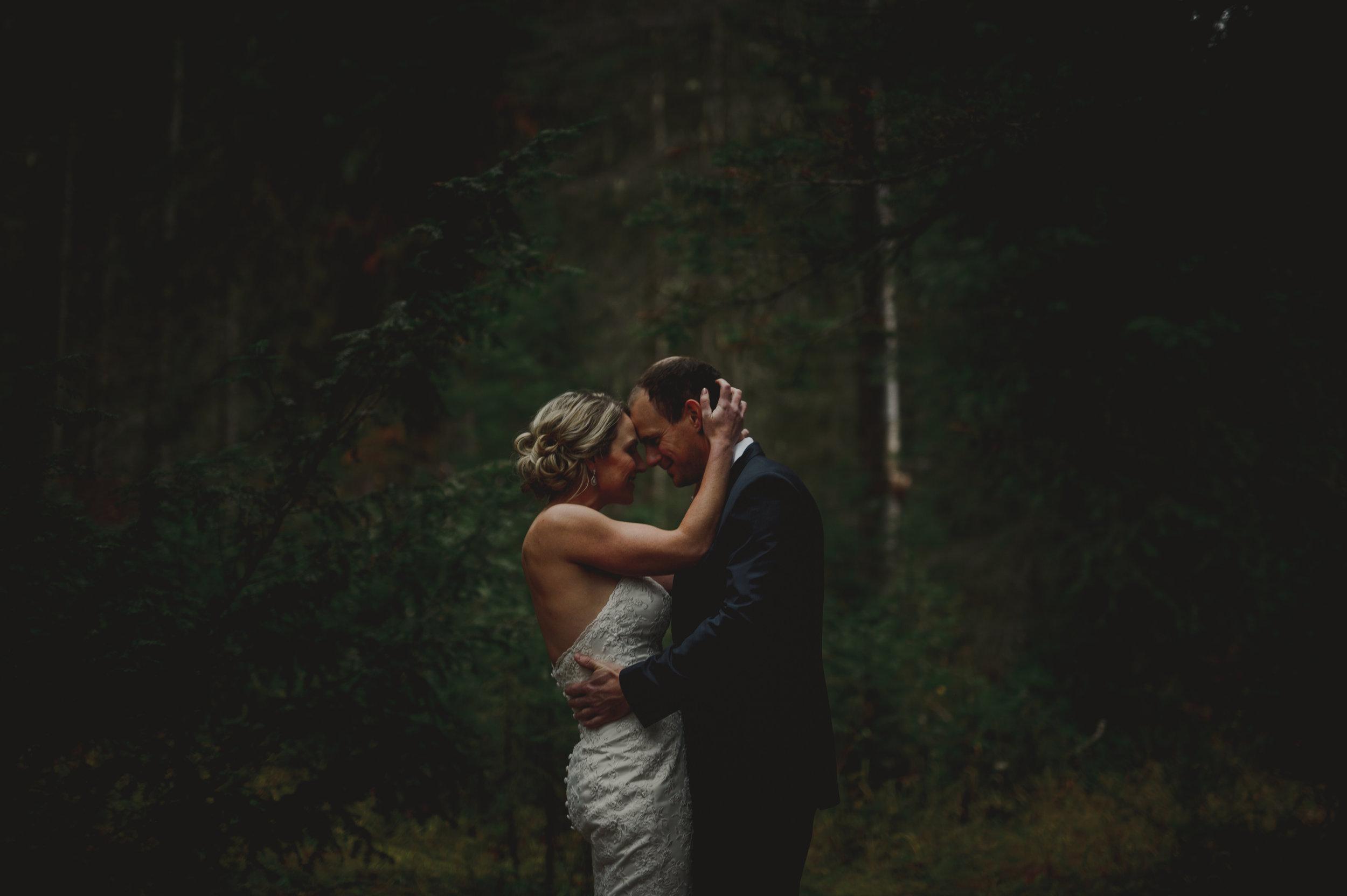 Banff-Wedding-Photographer-18.jpg