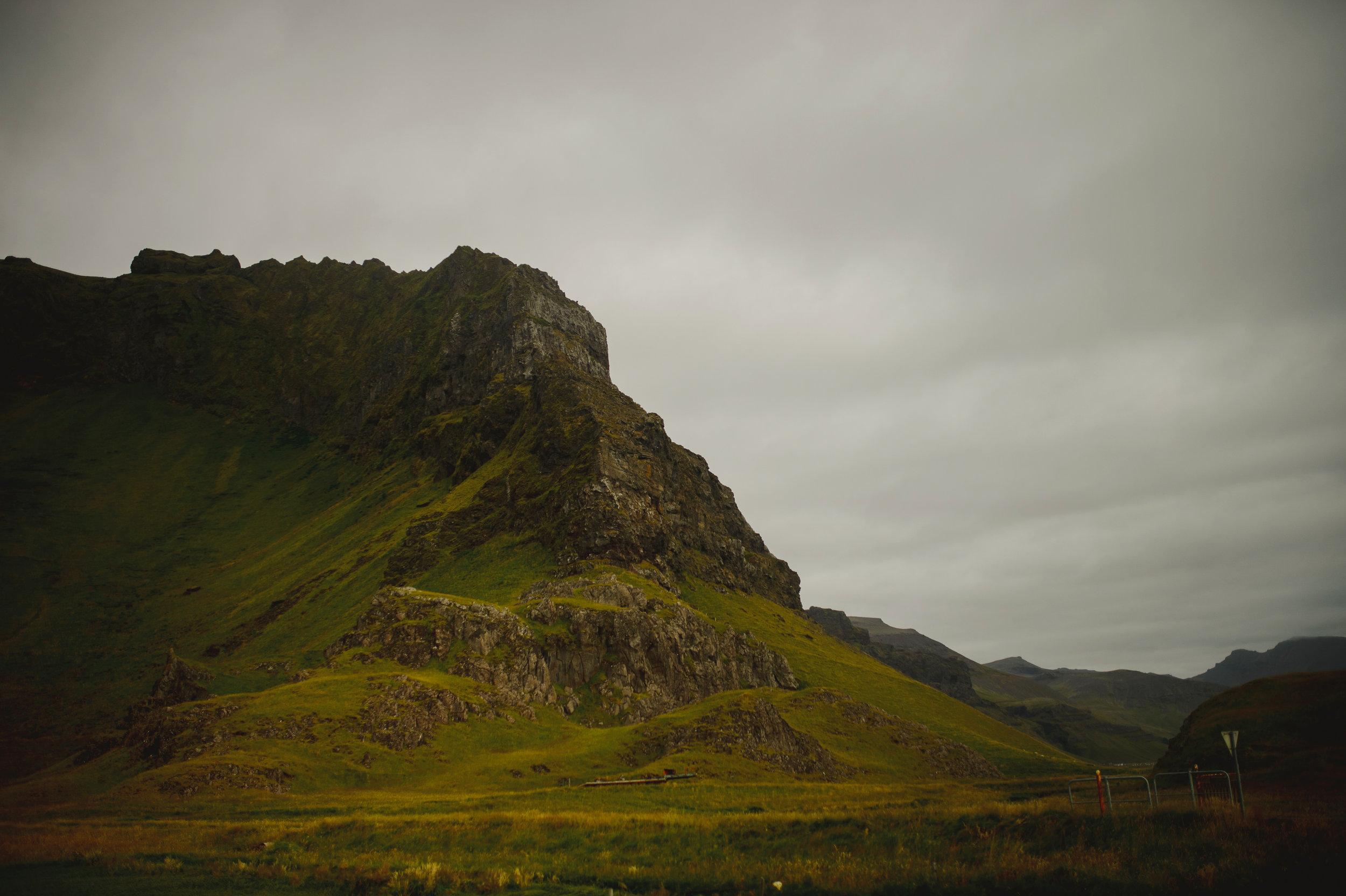 Iceland-Wedding-Photographer-MichaelChanPhotography-4.jpg