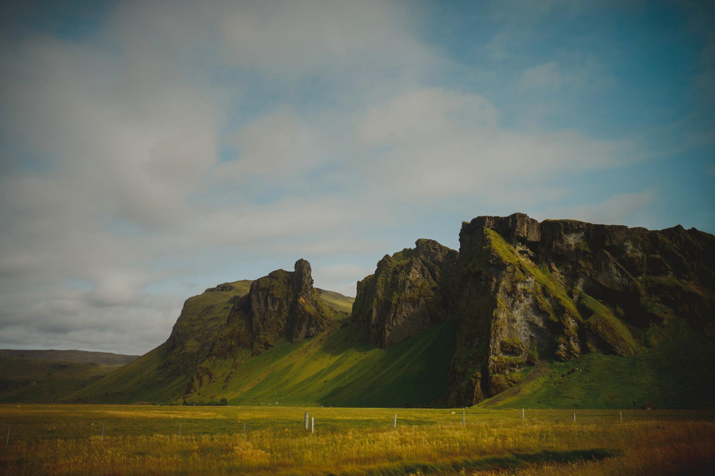 Iceland-Wedding-Photographer-MichaelChanPhotography-7.jpg