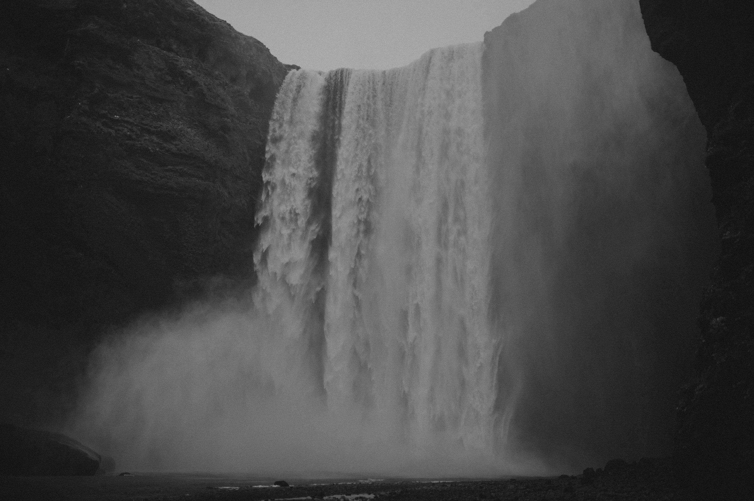 Iceland-Wedding-Photographer-MichaelChanPhotography-28.jpg