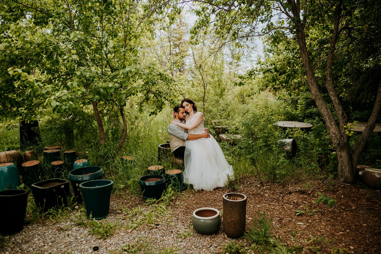 Calgary-Wedding-Photos-Saskatoon-Barn-16.jpg