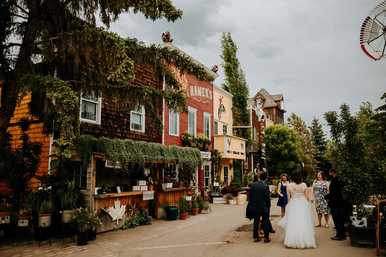 Calgary-Wedding-Photos-Saskatoon-Barn-48.jpg