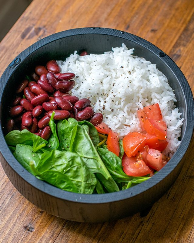 Sometimes the simplest things in life really are the best ✨⠀⠀⠀⠀⠀⠀⠀⠀⠀ *⠀⠀⠀⠀⠀⠀⠀⠀⠀ *⠀⠀⠀⠀⠀⠀⠀⠀⠀ *⠀⠀⠀⠀⠀⠀⠀⠀⠀ *⠀⠀⠀⠀⠀⠀⠀⠀⠀ *⠀⠀⠀⠀⠀⠀⠀⠀⠀ * #veganlunch #vegansofig #veganbowl #veganeats #veganfoodie #veganbuddhabowl #veganfoodporn #buddhabowl #whatveganseat #plantbased #plantstrong #vegandiet #veganfood #goveg #meatfree #crueltyfree #dairyfree  #vegansofinstagram #bestofvegan #veganfoodshare #feedfeedvegan  #healthyvegan #plantpower #plantbaseddiet #vegetarian #friendsnotfood #healthyveganfood