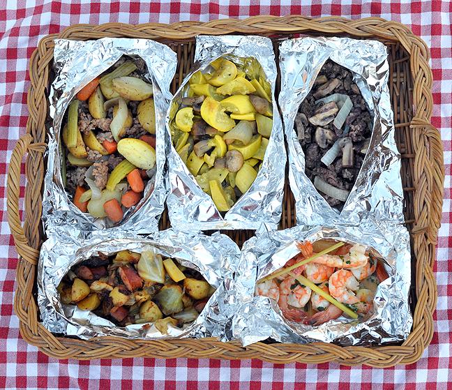 best hobo dinner, steak hobo packets, steak hobo dinner recipe, hobo dinner with cabbage, chicken hobo dinner recipe, vegetarian hobo dinner recipe, ground beef foil packets in oven