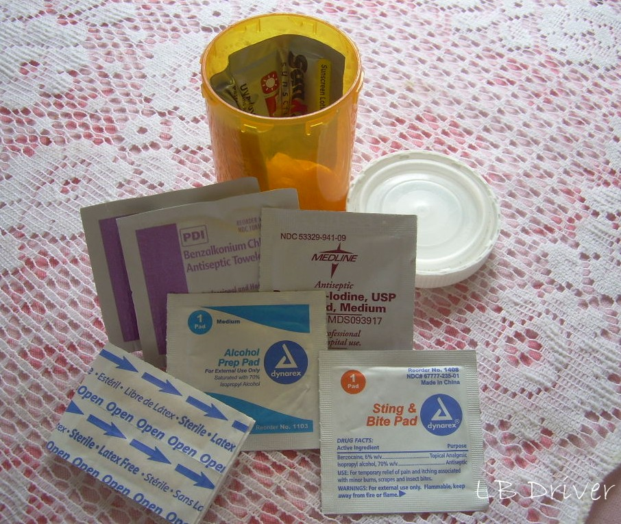 diy first aid kit, first aid kit, camping first aid kit, survival kit, pill bottle first aid kit, rx first aid kit, pill bottle survival kit, rx survival kit
