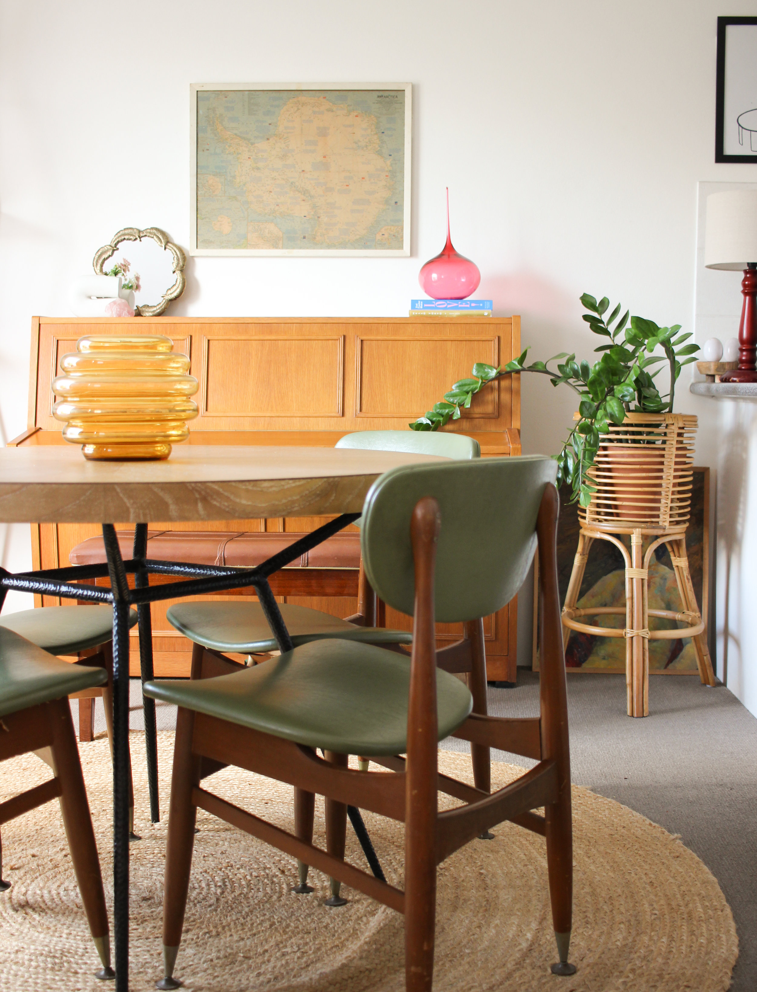 The combination of my feature dining chairs & my more simplistic dining table work really well together!
