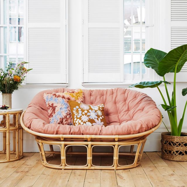 The cutest (and budget-friendly) sofa I've ever seen from Family Love Tree!