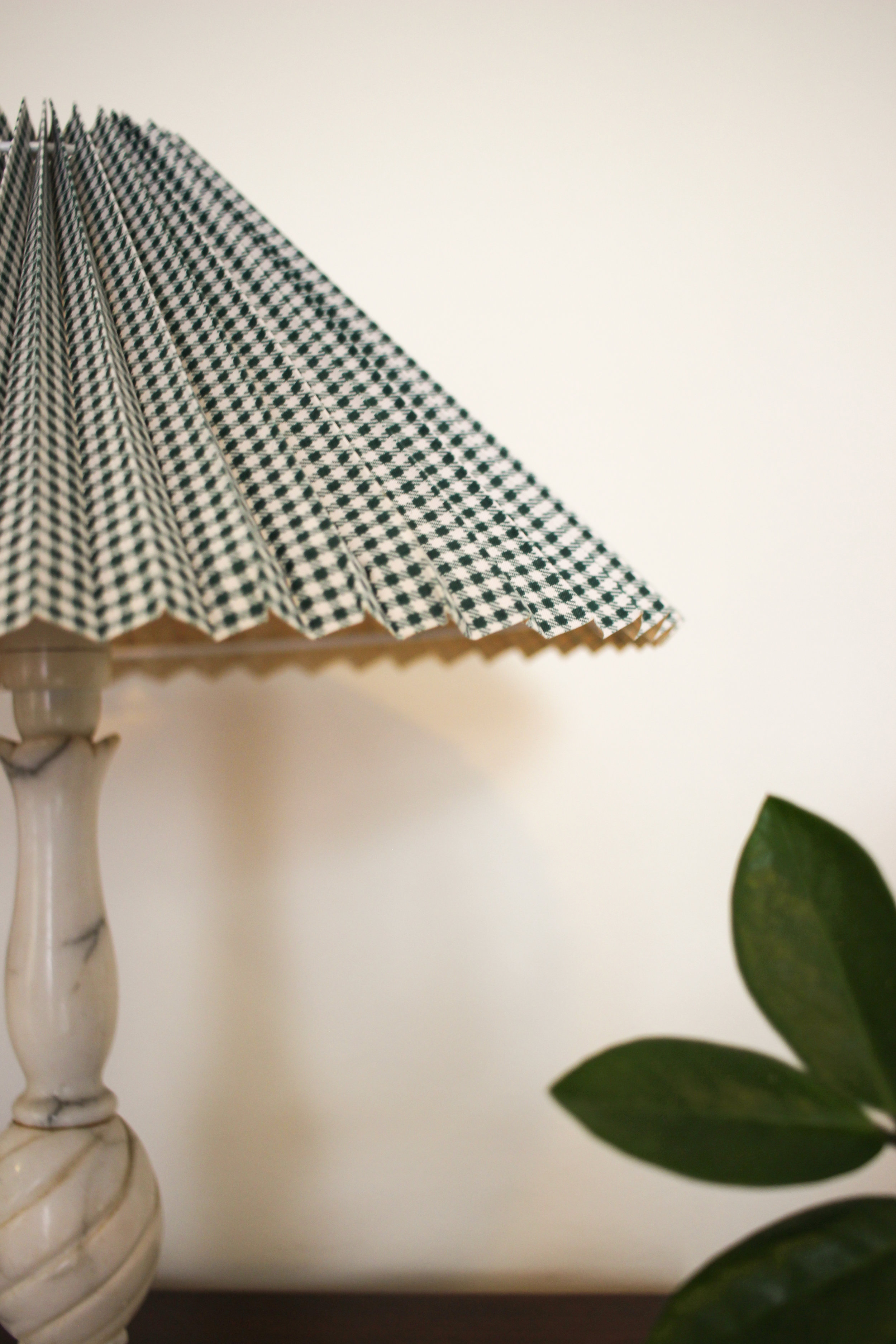 ANOTHER CLOSE-UP OF MY BELOVED GINGHAM LAMPSHADES