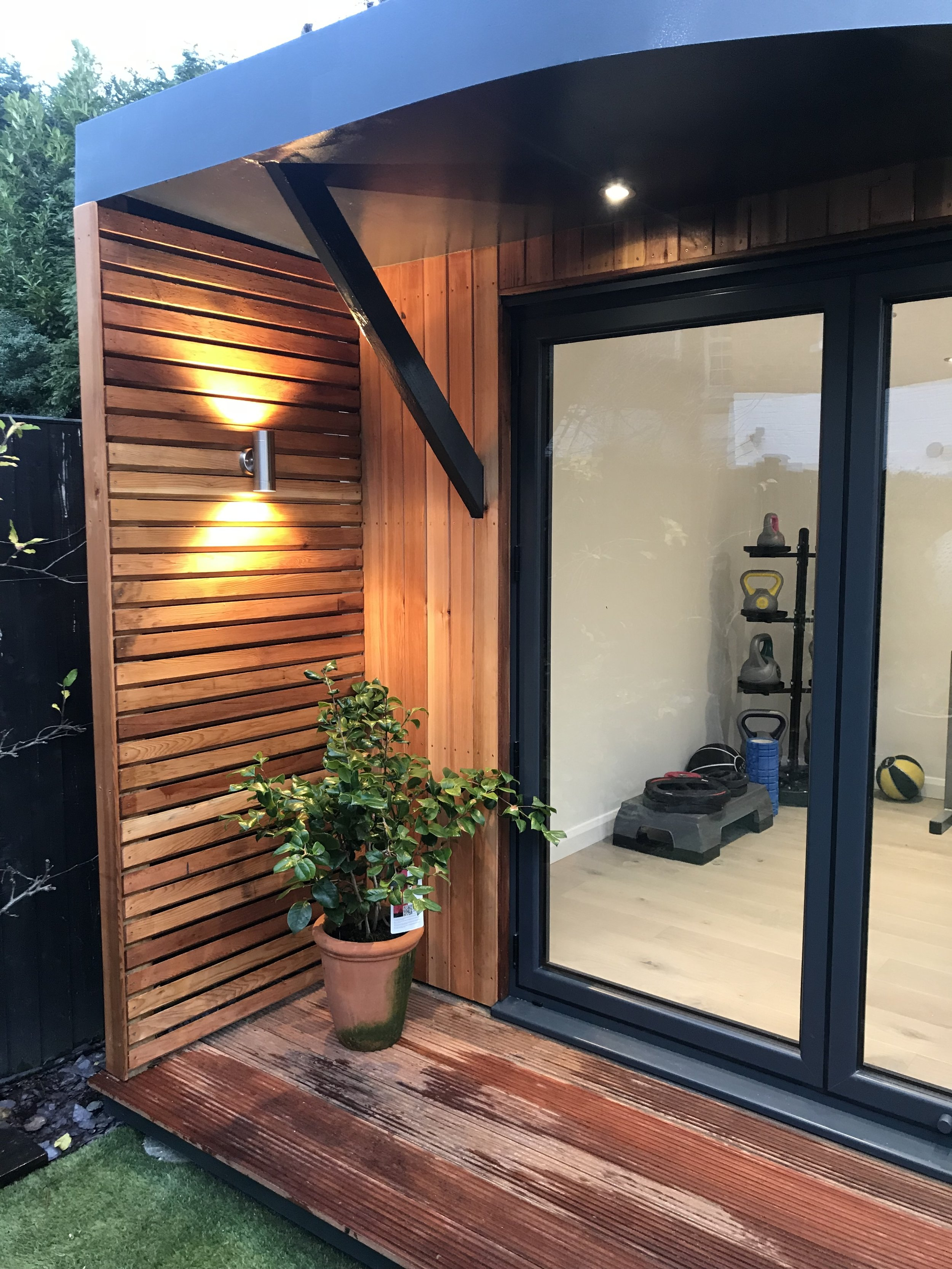 Curve Garden Rooms Ltd