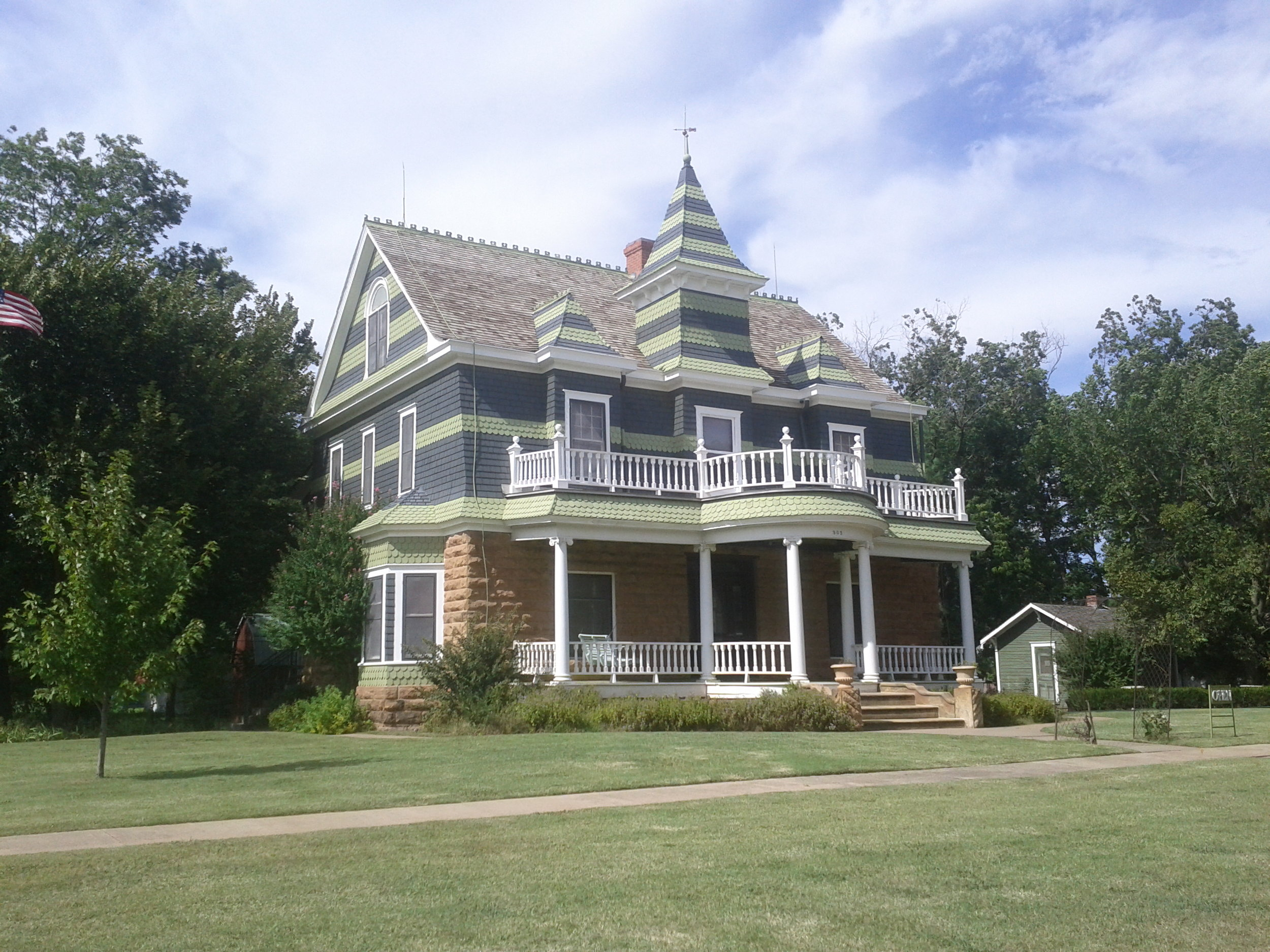 Drummond Home, Hominy   By User:Dorkmo - Own work, CC BY-SA 3.0, https://commons.wikimedia.org/w/index.php?curid=28847660
