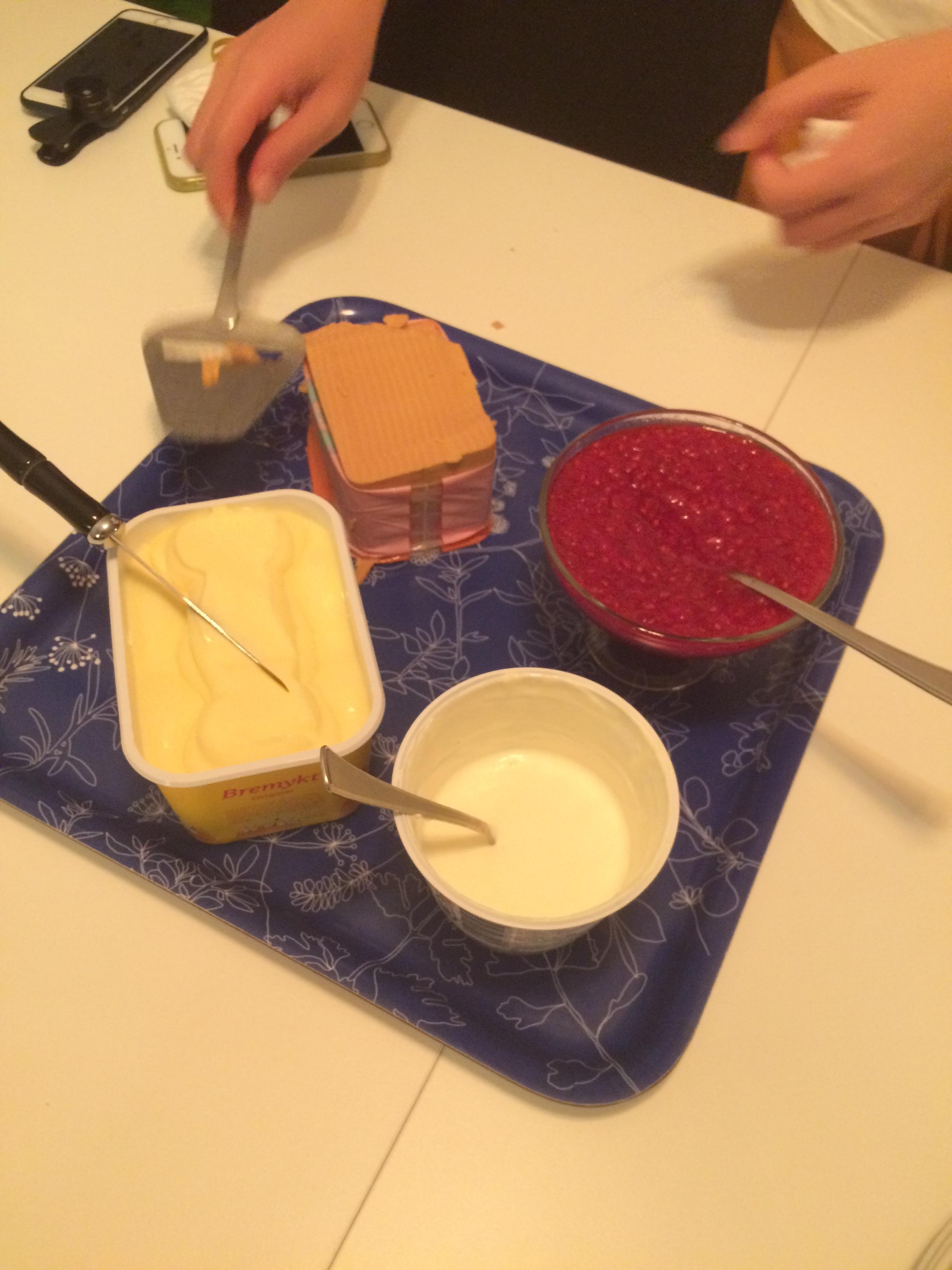 飯後甜點配上四種不同的傳統醬料