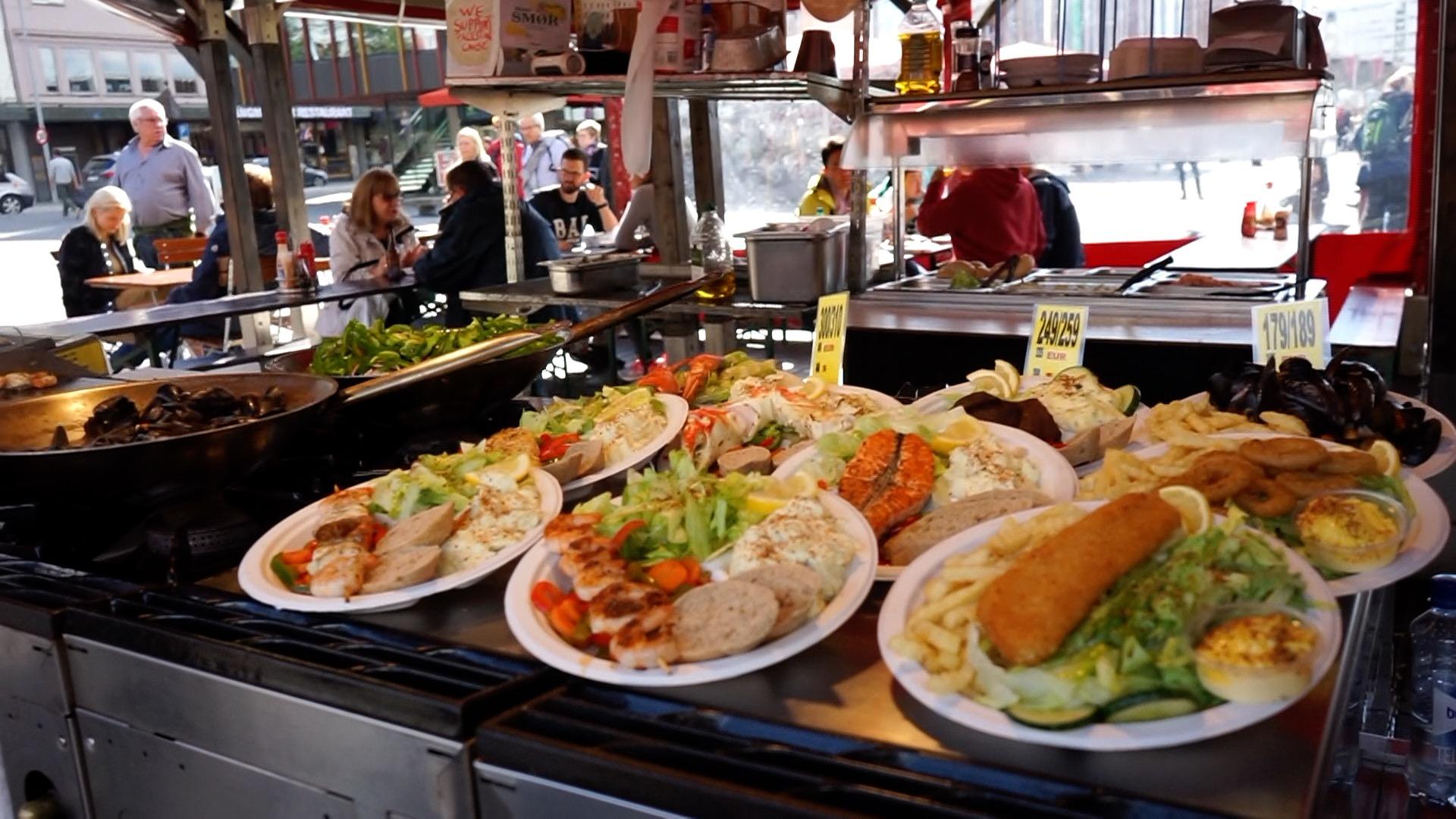 北歐版本的掃街,除了價錢比較北歐外,食物也較北歐—貴價海鮮無誤。