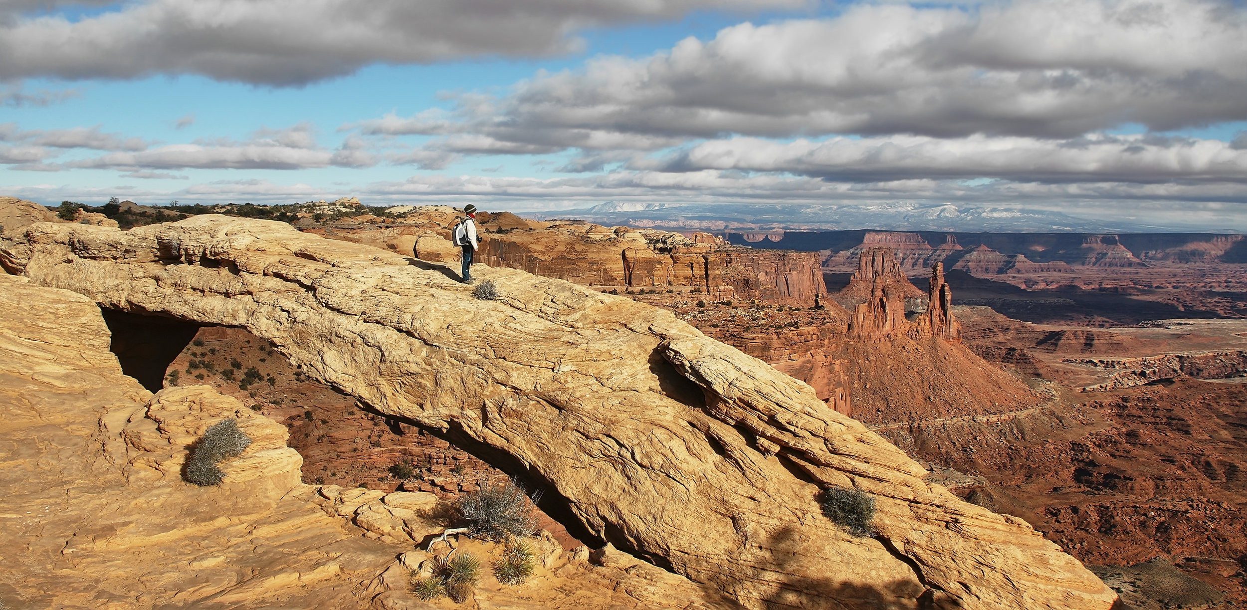 girl-at-mesa-arch-in-canyonlands-national-park-P6RM5T7.jpg