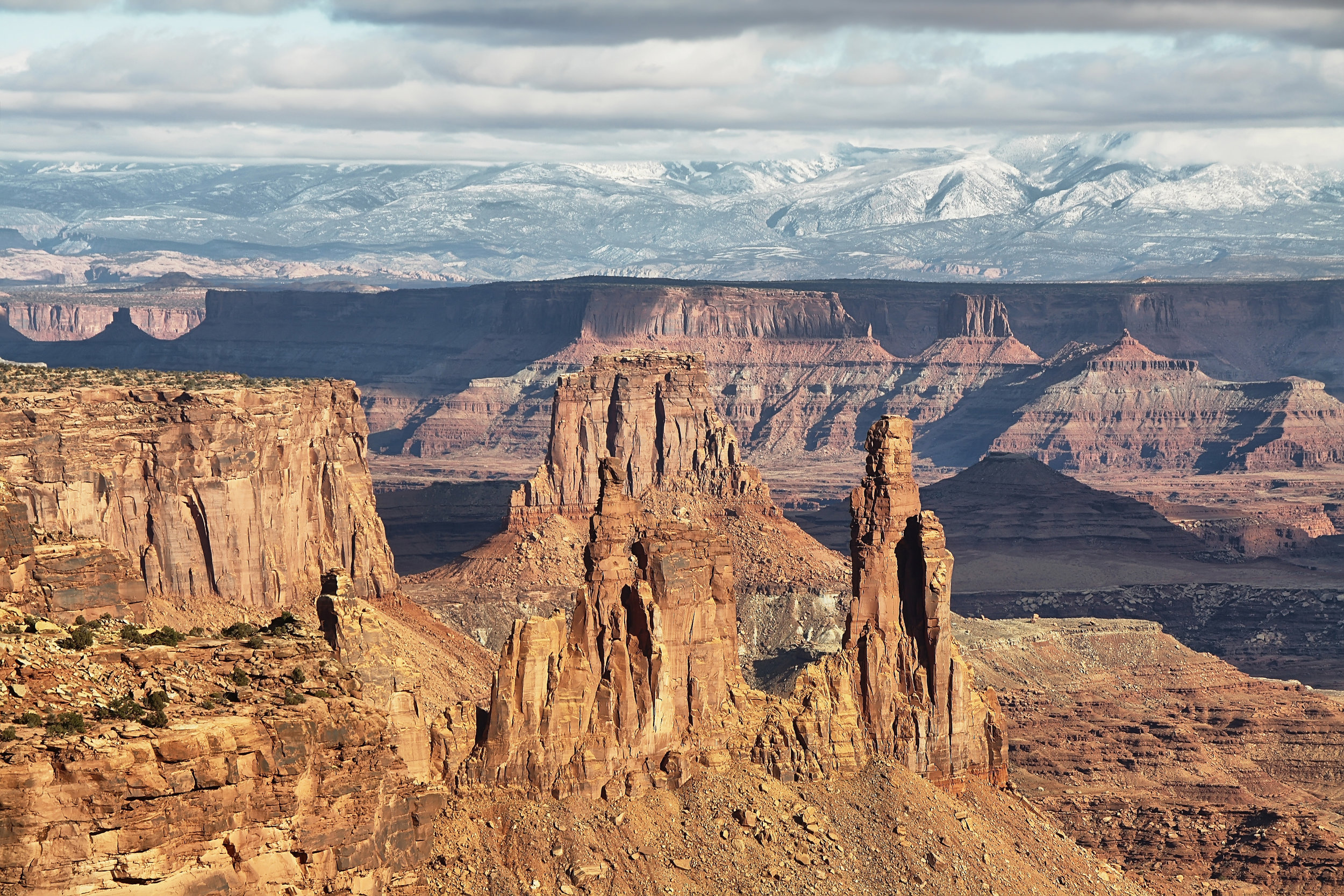 view-from-mesa-arch-in-canyonlands-national-park-PLLVCLV.jpg