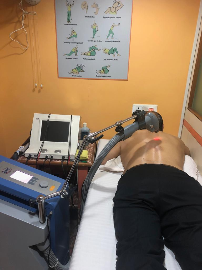 Cold therapy to reduce scapular mid back inflammation.jpg